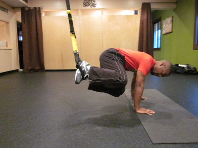 trx oblique knee ins to the right