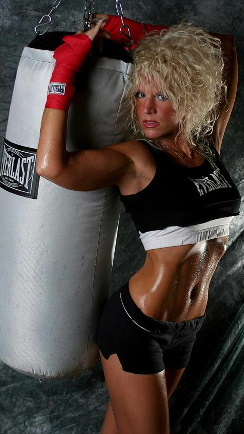 fitness model kelly's abs